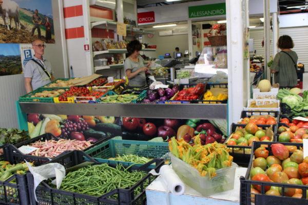 イタリアの市場の写真